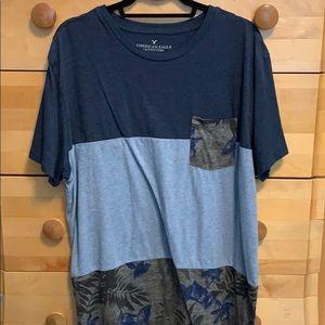American Eagle Navy Mixed Floral T-Shirt Mens XL